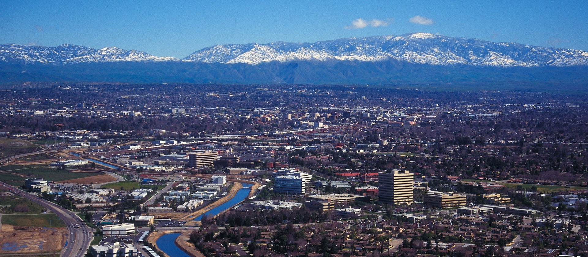 https://visit-bakersfield.s3.amazonaws.com/CMS/2030/aerial_trux-calif__large.jpg
