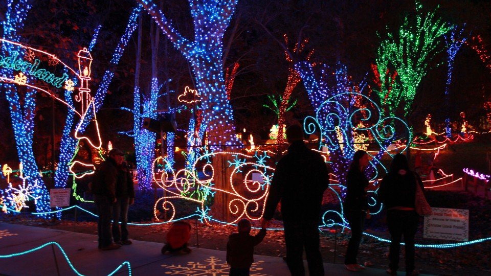 holidaylights at calm - Bakersfield Christmas Town